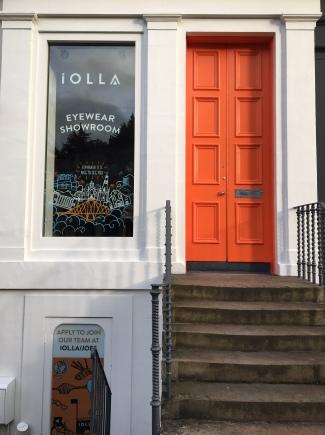 Liznylon visits Iolla