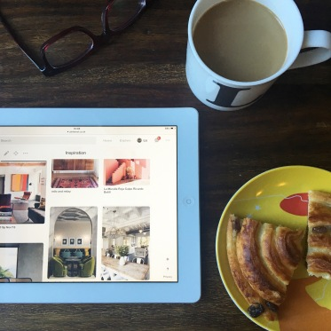 Liznylon on the hunt for inspiration with coffee & treats