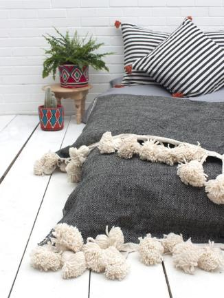 Super Tassel Blanket