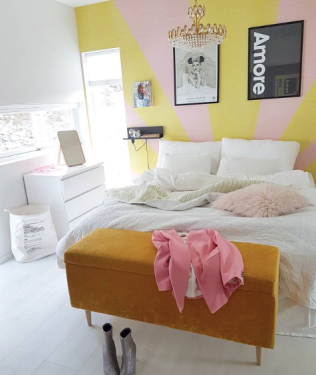 Anetteetalstad_pink_and_yellow_sunburst_bedroom