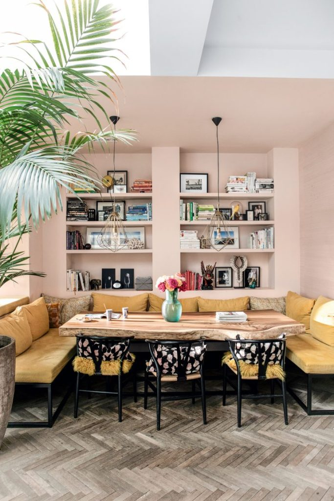 Nicole_Dohmen_Amsterdam_pink_and_yellow_dining_nook