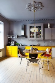 Norway_kitchen_yellow_and_grey_with_vintage_chairs