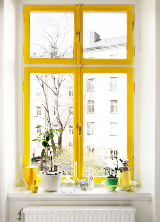Yellow_windows_For_Interieur_France