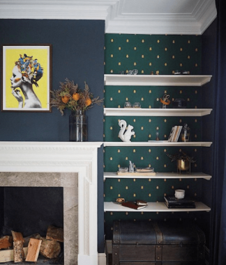 MelanieLissackInteriors_wallpapers_alcove_with_shelves