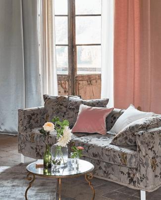 Designers_Guild_spring_2019_new_collection_Carrara_Fiore_linen_floral
