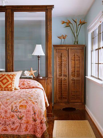 BHG_reeded_glass_bedroom_beach_vibe