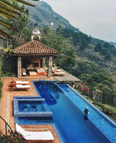 Casa_Palopo_mountainside_pool
