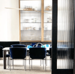 Dining_Room_with_reeded_glass_by_Mim_Design_Studio_in_Melbourne