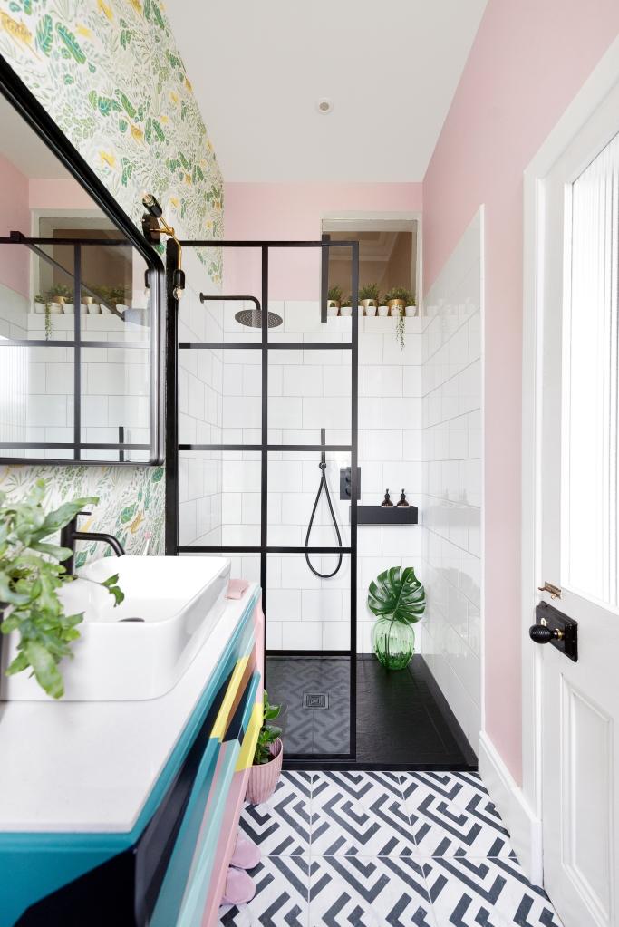 Liznylon_bathroom_monochrome_tiles_black_frame_shower_screen_rain_shower