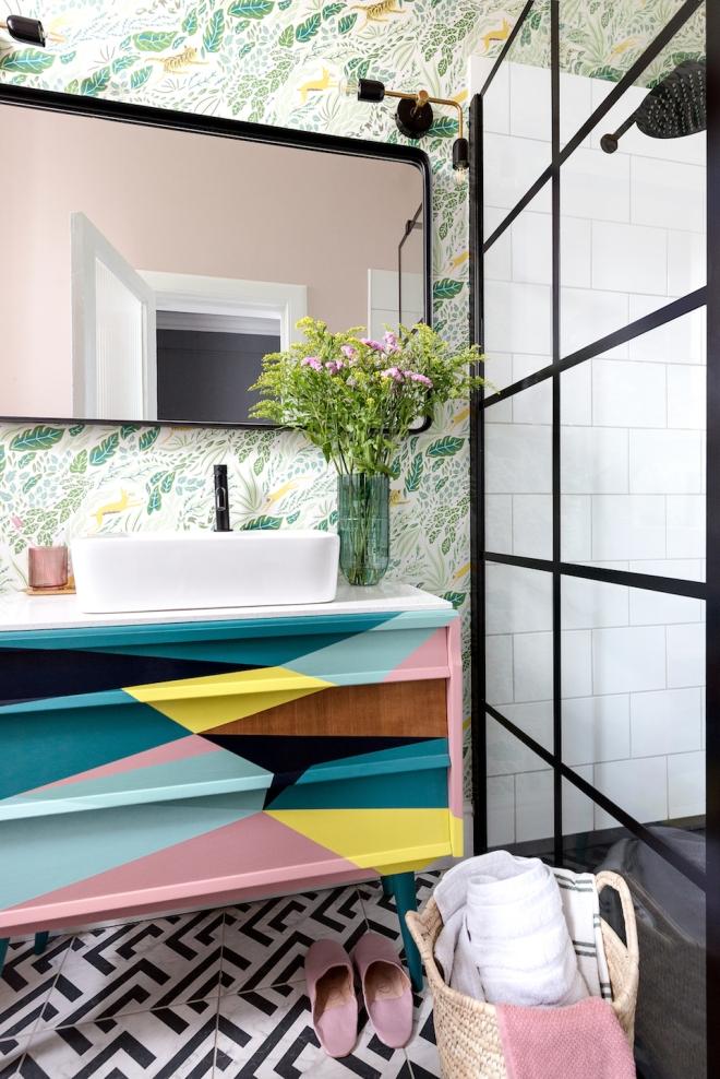 Liznylon_bathroom_upcycled_midcentury_vanity_black_frame_shower_screen