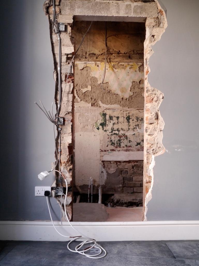 Liznylon_during_renovation_new_doorway_to_bathroom