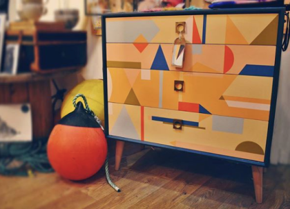 appyRetroFurniture_Midcentury_painted_dresser_with_brass_handles