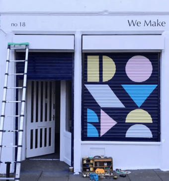 HappyRetroFurniture_paints_wallmural_for_WeMake_Edinburgh