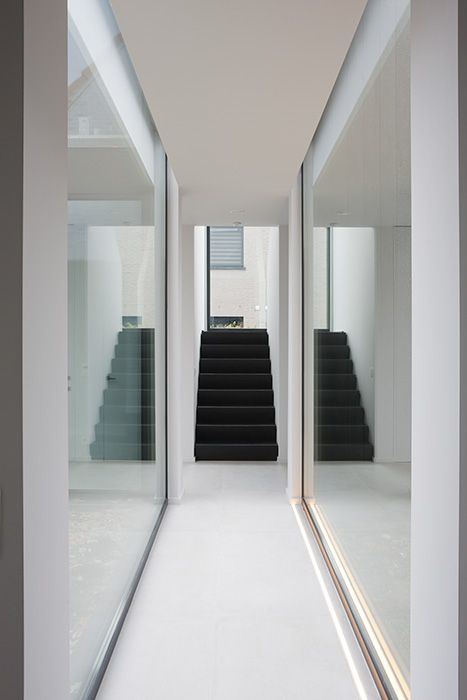 Het_Atelier_Interiors_double_mirror_glam_hallway