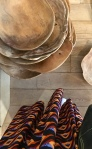 Liznylon_top_pick_at_Ailleurs_paris_plateau_fin_teck_wooden_bowls