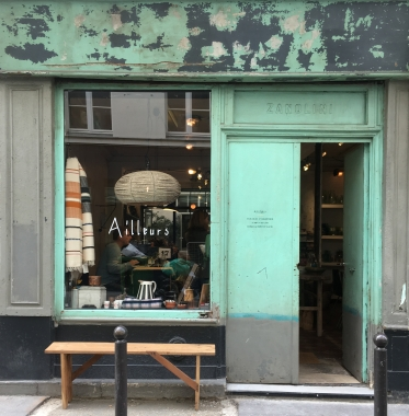Liznylon_visits_design_shop_Ailleurs_in_Paris