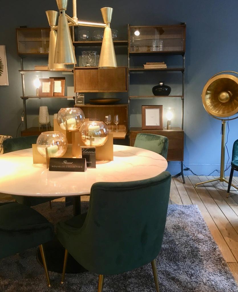 Liznylon_visits_Flamant_Paris_showroom_traditional_modern