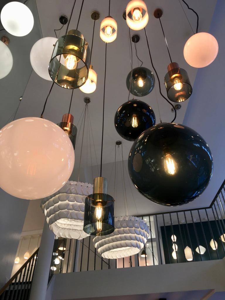 Liznylon_visits_Original_BTC_Lighting_in_Paris_pendant_lights