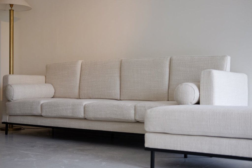 Design-of-the-time-les_campanules_018-sofa-in-off-white