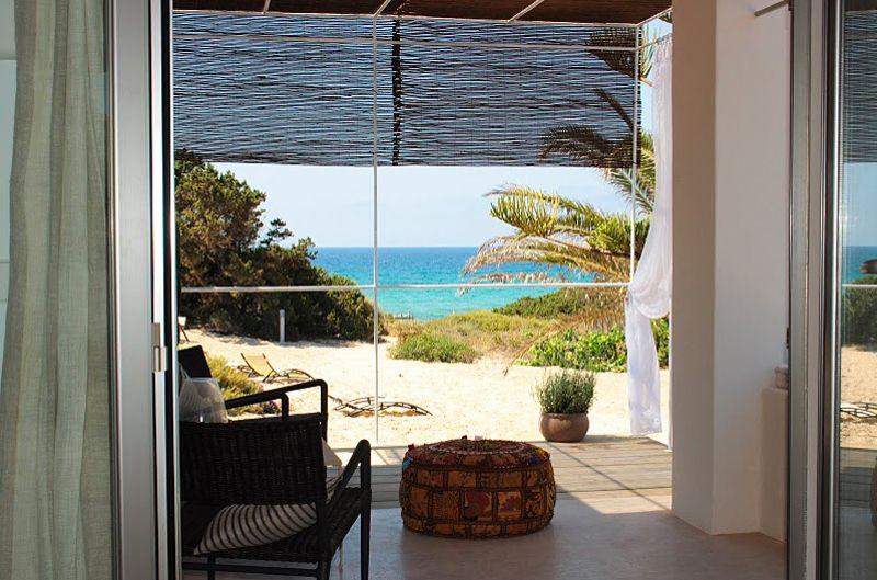 Talaya-beach-bungalow-migjorn-beach-formentera-spain