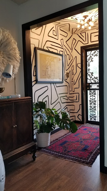 bold-entry-hand-painted-mural-by-carmeon-hamilton